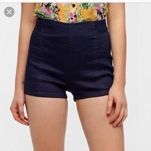 Kimchi Blue Rosie Pinup High-Waisted Shorts